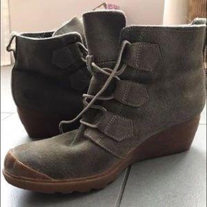 Sorel Toronto Boot, size 10M like new
